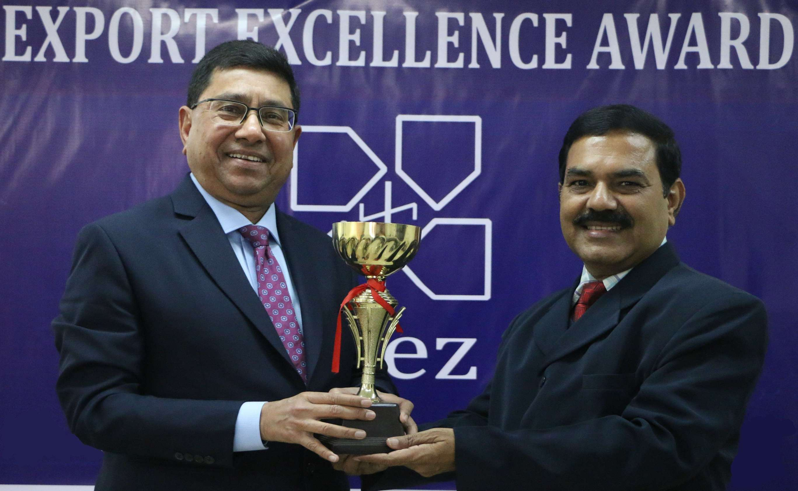 Sanjay Budhia receives Top Exporter Award 2016-17 & 2017-18 (Engineering – East & North-East SEZ)